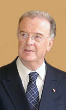 Жо́ржи Сампа́йю избран президентом...