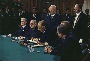 Подписано Парижское соглашение о...