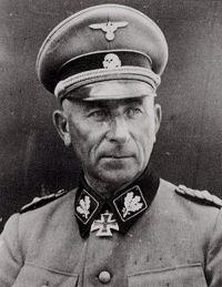 Обергруппенфюрер SS Пауль Хауссер,...