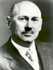 Американский конструктор Роберт Годдард...