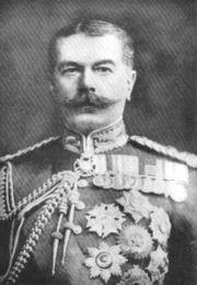 Британский генерал Гораций Герберт...