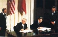 США и СССР подписали...
